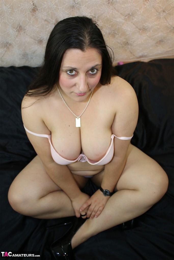 image Slut fucks herself in front of live forest cam